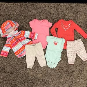 Newborn girl clothes bundle, 3 full outfits